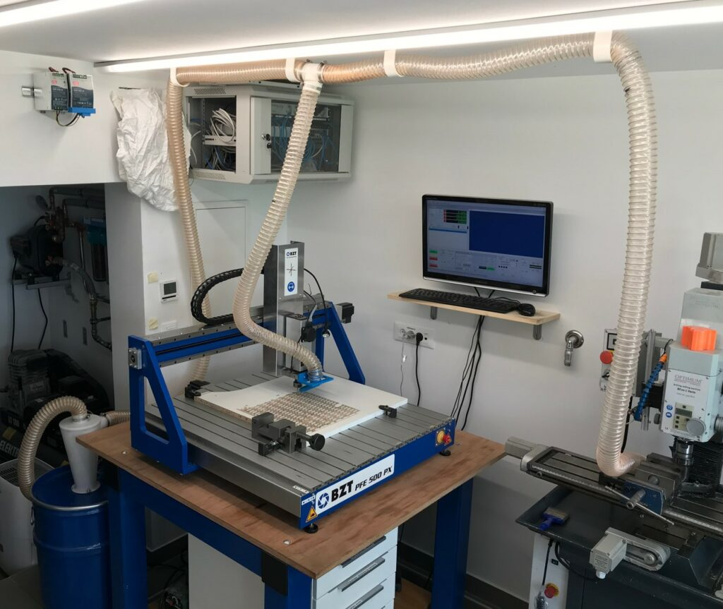 How does cyclone dust collector works? In workshop- PoKeys57CNC